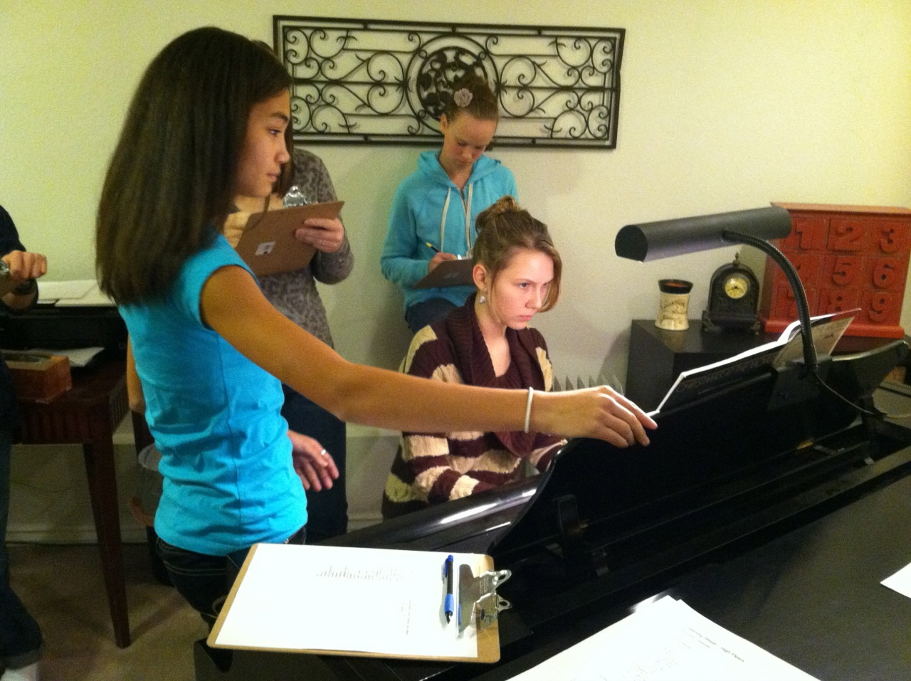 Sue Heath Group Piano Class